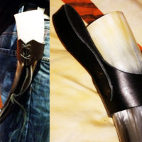 Gürtelhalter aus Leder für Trinkhorn mittelgroß (0,4l – 0,6l) / Beltholder leather for Drinking Horns medium (0,4l – 0,6l)